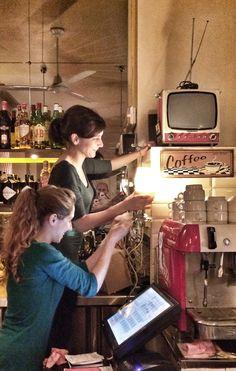 Lolina Vintage Café .... En la calle Espíritu Santo 9 de Madrid. Barrio de Malasaña