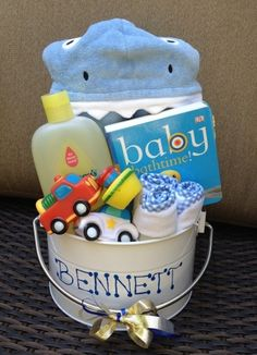 It's no secret we love babies. Small ones, big ones, even the smelly ones. If you're scratching your head for a gift for the mom-to-be, here are 5 adorable baby shower gifts to get the ideas flowin...
