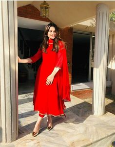 Ideas Bridal Pakistani Dresses Red Indian Fashion For 2019 Pakistani Fashion Casual, Pakistani Dresses Casual, Indian Fashion Dresses, Dress Indian Style, Pakistani Dress Design, Fashion Outfits, Red Outfits, Pakistani Bridal, Muslim Fashion