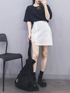 Stylish ideas for teen korean fashions 036 Korean Girl Fashion, Korea Fashion, Asian Fashion, Cute Skirt Outfits, Dope Outfits, Korean Summer Outfits, High Fashion Outfits, Elegant Dresses For Women, Princess Outfits