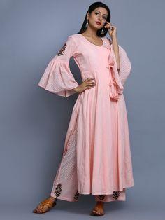 Stylish and Trendy – Summer Dresses & Kurtis – The Mommypedia Kurta Designs, Blouse Designs, Pakistani Dresses, Indian Dresses, Indian Outfits, Indian Attire, Indian Wear, Ethnic Fashion, Indian Fashion