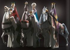 Lladro 09165 KING MELCHIOR, GASPAR AND BALTHASAR SET http://www.lladrofromspain.com/0kimegaandba.html   Issue Year: 2015 Sculptor: Fulgencio García Size: 44x105 cm Base included Limited Edition 270 pieces  This is a Christian tradition about a group of distinguished foreigners who visited Jesus after his birth, bearing gifts of gold, frankincense and myrrh. They are regular figures in traditional accounts of the nativity celebrations of Christmas and are an important part of Christian…