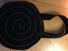 Cymbaltasche mit vorerst nur angepinnten Trägern (Schulter oder wahlweise Hand)