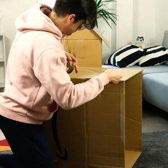 Cardboard Kitchen, Cardboard Crafts Kids, Cardboard Box Houses, Diy Cardboard Furniture, Cardboard Playhouse, Cool Paper Crafts, Creative Crafts, Diy Crafts For Home Decor, Diy Arts And Crafts