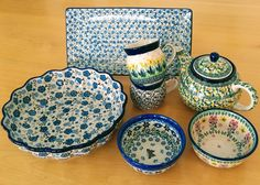 This set is $196 only! Two mugs, two bowls, large fruit bowl, a chic tray and a cute green teapot, all together less than USD 200. Create your own collection at slavicapottery.com now and get the best quality Polish pottery for a great price!