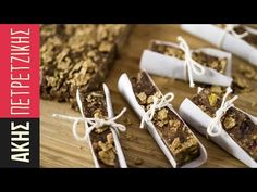 Tahini Honey Chocolate Nut Cereal Bars by Greek chef Akis Petretzikis. Super delicious, super energizing cereal bars with tahini, honey, chocolate and nuts! Sweets Recipes, Raw Food Recipes, Desserts, Tahini, Paleo Biscuits, Honey Chocolate, Dairy Free Diet, Cereal Bars, Processed Sugar