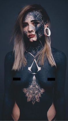 Covered In Black Ink - This Full Body Tattoo Is Awesome - Nadine Anderson Face Tattoos, Badass Tattoos, Hot Tattoos, Body Art Tattoos, Sleeve Tattoos, Feather Tattoos, Tattoo Girls, Girl Tattoos, Tattoos For Women