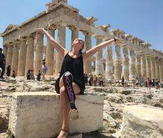 Το Κορίτσι Με Το Ένα Πόδι Γύρισε Την Ευρώπη Και Την Ερωτεύτηκαν Οι Πάντες Για Τη Χαρά Της Ζωής!  #Αληθινέςιστορίες