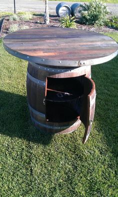 To go with wine barrel chairs! Custom Made Rustic wine barrel table by By Gordon Living Outdoor Pub Table, Outdoor Decor, Outdoor Living, Outdoor Ideas, Wine Barrel Diy, Wine Barrels, Barris, Barrel Projects, Wood Projects