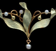 Delicate Mistletoe Necklace (detail) Gold, enamel and pearls. Marks: Eagle's head French, c.1900.