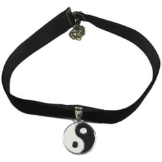Hip Mall 90's Black Velvet Choker Necklace w/ Enamel Yin Yang Pendant (2.040 HUF) ❤ liked on Polyvore featuring jewelry, necklaces, accessories, chokers, enamel pendant necklace, choker necklaces, yin yang pendant necklace, pendant choker and choker pendant necklace