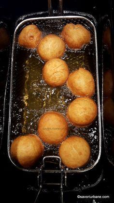 Gogoși umplute cu gem sau cremă de vanilie, ciocolată - foarte pufoase | Savori Urbane Pretzel Bites, Bread, Cooking, Cake, Food, Recipes, Kitchen, Brot, Kuchen