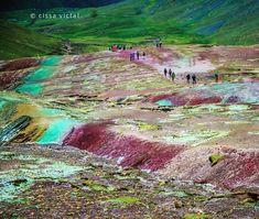 "41 Beğenme, 3 Yorum - Instagram'da Cissa Victal (@pollicromia): ""Rainbow Mountain Peru #rainbowmountain #montanaarcoiris #peru #cuzco #peruvianmountains…"""