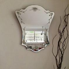 Espelho, espelho meu! Ou como usar este elemento decorativo como um valioso trunfo na sua casa.