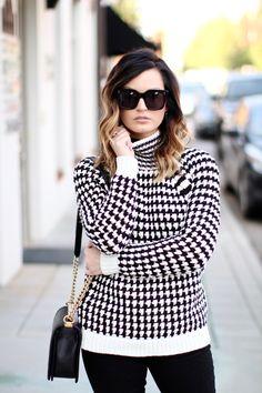Sweater: LOFT | Jeans: LOFT | Earrings: LOFT {all c/o LOFT }| Handbag: Chanel | Shoes: Gucci | Sunglasses: Cèl...