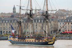 En images : l'arrivée de l'Hermione à Bordeaux  /  Pour l'occasion, un village historique du XVIIIe siècle sera également installé sur ce quai pendant six jours