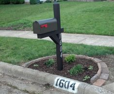 mailbox landscaping - used the paver edging design found here… Mailbox Garden, Mailbox Landscaping, Stone Landscaping, Landscaping Near Me, Lawn And Garden, Landscaping Ideas, Mailbox Plants, Backyard Ideas, Corner Landscaping