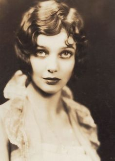Film noir legend Loretta Young in a '20s pre-code Hollywood promo shot.
