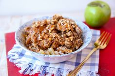 """Need a last minute Halloween party recipe? This """"dump"""" cake tastes just like a caramel apple!"""
