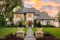 View this luxury home located at 6415 Desco Dr Dallas, Texas, United States. Sotheby's International Realty gives you detailed information on real estate listings in Dallas, Texas, United States.