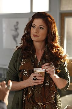 "Debra Messing (Julia) in Smash ""Let's Be Bad"" Yeah… not sorry for this. Debra Messing-hair is my inspiration for life:) Beautiful Redhead, Gorgeous Hair, Beautiful People, New York City, Debra Messing, Brooklyn, Bad Photos, Dull Hair, Auburn Hair"