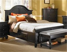 Bon Black Thomasville Bedroom Furniture With White Bed Cover Yellow Painted  Wall And Laminate Wood Bedroom Floor