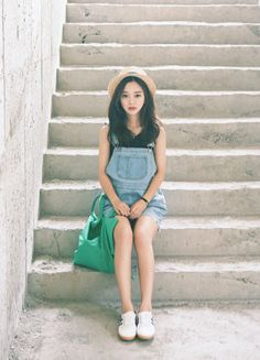 Korean Fashion Trends you can Steal – Designer Fashion Tips Cute Fashion, Fashion Beauty, Girl Fashion, Ulzzang Fashion, Ulzzang Girl, Korean Ulzzang, Korea Fashion, Asian Fashion, Fashion Vestidos