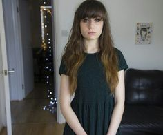 Dodie Clark (@doddleoddle) long hair. Love the bangs on this look!