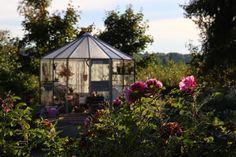 Ruusunmekko garden's greenhouse 'Lataamo' in September 2013