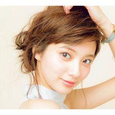 新川優愛 Beautiful Japanese Girl, Young Actresses, Beautiful Models, Woman Face, Pearl Earrings, Asian Models, Beauty, Women, House