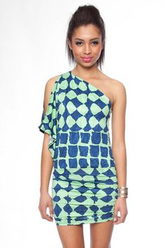 Shaped Kimono One Shoulder Dress in Lime $28 at www.tobi.com