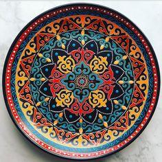 Mandala Art, Mandala Drawing, Mandala Painting, Painted Plates, Ceramic Plates, Plates On Wall, Decorative Plates, Painted Tiles, Dot Art Painting