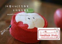 apple pouch // monedero manzana en fieltro