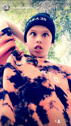 The why he crosses his eyes thought lol I love you Jacob Sartorius I love you