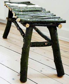 UDELIV: Det rustikke naturlige look er hottere end hot. Prøv selv at lave en havebænk af resterne af dit yndlingstræ eller naboens. Det tager kun en eftermiddag!