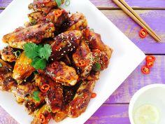 Dit lekkere recept voor Chinese kippenvleugels van Alana Scott kwamen we onlangs tegen en moesten we natuurlijk proberen. Na een kleine smaaktest hebben we deze absoluut goed bevonden en daarom hier een Nederlandse vertaling van het recept. Perfect met gebakken aardappelen en groenten. Of voor bij de borrel, een beetje zoet, kleverig en licht pittig! […]