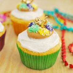 Learn how to make King Cake (or King Cake cupcakes) just in time for Mardi Gras!