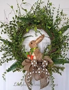 24 Adorable Easter Front Door Wreaths Looking for Easter decorating inspirations for your front door. Try one of these 24 Adorable Easter front door wreaths and door hanger ideas! They will put a smile on your face and warm your heart. Diy Spring Wreath, Diy Wreath, Spring Crafts, Wreath Ideas, Wreath Making, Wreath Crafts, Spring Door Wreaths, Wreath Burlap, Diy Crafts