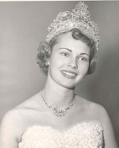 """girl-o-matic: """" Tournament of Roses Queen, Marilyn Smuin """" Digital History, Royal Court, Tiaras And Crowns, Curly Girl, Pageant, Fancy Dress, Queens, Roses, Persephone"""