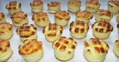 TraRita sütödéje és egyéb munkái : Zsíros pogácsa Bread Rolls, Doughnut, Bread Recipes, Cheesecake, Muffin, Food And Drink, Snacks, Breakfast, Tattoos