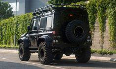 Land Rover Defender 90/110 Tweaked Spectre Edition – Men's Gear