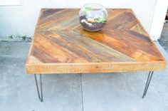 Reclaimed Barn Wooden Coffee Table Chevron por triple7recycled