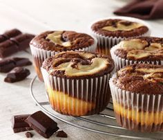 Marbled Chocolate Cheesecake Muffins Recipe: These chocolatey cheesecake muffins are a delicious treat and are sure to impress your friends and family!- One of hundreds of delicious recipes from Dr. Finger Desserts, Muffin Recipes, Cupcake Recipes, British Bake Off Recipes, Marble Chocolate, Yummy Treats, Yummy Food, Fudge Cake, Fun Cupcakes