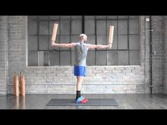 Meel Training | #ShoulderTips Chris Johnson, Sporty, Train, Shoulder, Style, Strollers, Trains