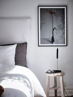 Entrance Fastighetsmäkleri #inredning #sovrum #sängbord #sänggavel #interior #design #bedroom