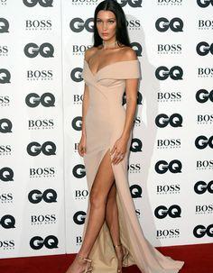 En Hugo Boss / Les plus beaux looks de Bella Hadid