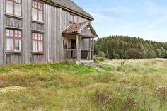 FINN – Hobøl - Stor og solrik eiendom med landlig beliggenhet Home Fashion, Real Estate, Cabin, House Styles, Home Decor, Real Estates, Decoration Home, Room Decor, Cabins