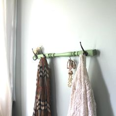 Mint Green Spindle hanging rack