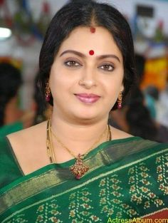 Seetha Aunty Hot Pics in Saree - Actress Album Indian Actress Images, Indian Girls Images, Indian Actresses, Beautiful Girl Indian, Most Beautiful Indian Actress, Beautiful Saree, Beautiful Women, Beautiful Flowers, Beauty Full Girl