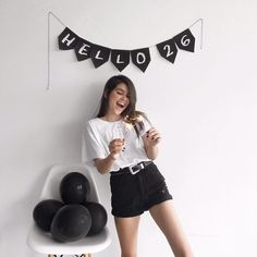 a aniversariante mais feliz que você vai ver hoje! 💫 #birthdaygirl Cool Instagram Pictures, Girl Birthday, Besties, High Waisted Skirt, Party, How To Wear, Inspire, Inspiration, Style